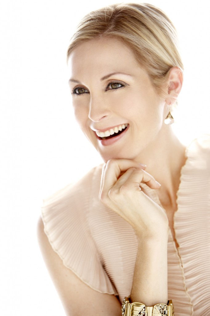 Kelly Rutherford on Her Iconic Role as Lily van der Woodsen in Gossip Girls – Channeling Gratitude, Mindfulness and Overcoming Life-Altering Setbacks.